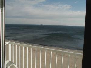 Dolphin run condominiums 10293 virginia beach virginia for Spell balcony