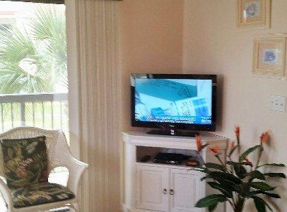 Flat Panel TV - LR
