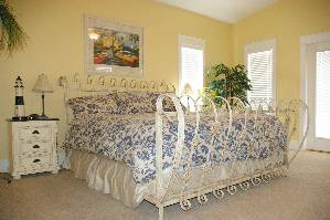 2nd Master Suite Bed