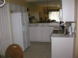 kitchen /eating area