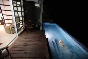 Main level pool