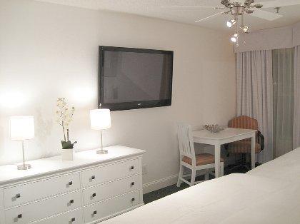 Cozy Bedroom with 50