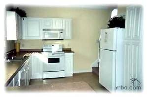 Kitchen in 5 BR