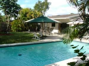 Pool W/patio
