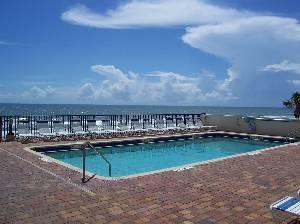 Pool/Ocean/Beach