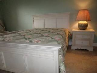 Bedroom Queen Bed