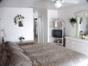 Master Bed 1b