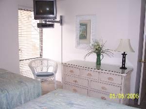 2 BR - Guest Bedroom