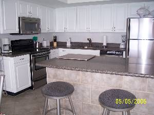 2 BR - Kitchen