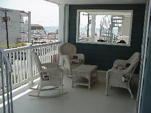 Furnished front deck