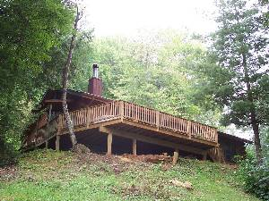 Front deck/w/hot tub