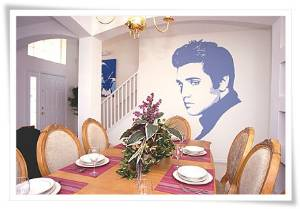 Dine with Elvis