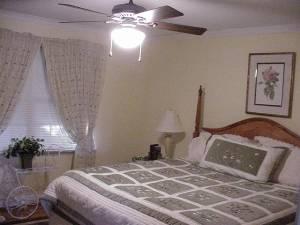 1 or 3 Bedrooms w Ba