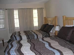 2 queen beds in BR
